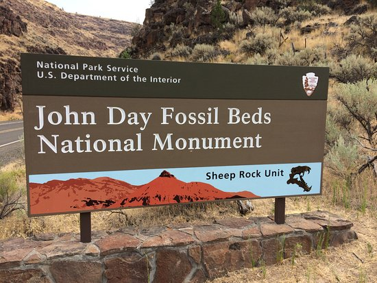 John Day Fossil Beds National Monument: Signage