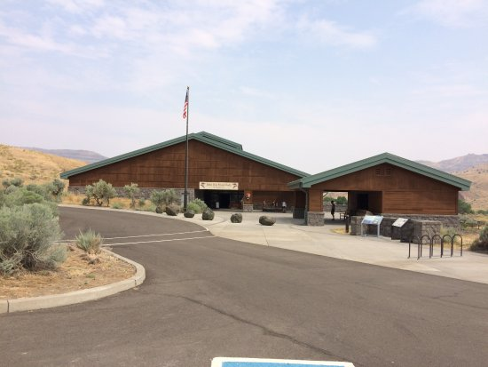 John Day Fossil Beds National Monument: The Center