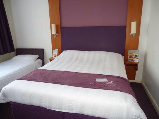 Premier Inn London Hanger Lane Hotel: photo1.jpg