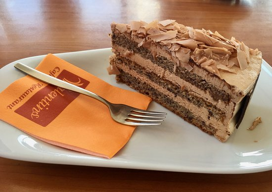 Bastorf, Germania: Cake at the café at Leuchtturm Buk, northern Germany.