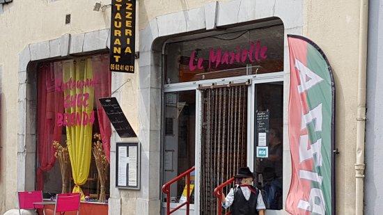 Campan, Fransa: Brenda ext_large.jpg