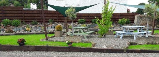 Alexander House: Guest Garden Seating Area