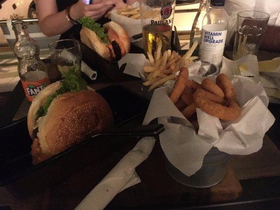 Kastel Kambelovac, Chorwacja: Fumee burger :) bacon, beef, onion rings, french fries !