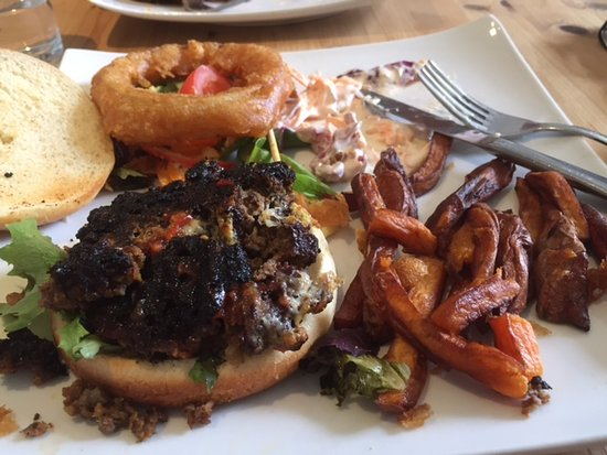Gorran, UK: Burnt Burger!