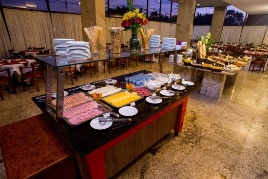 Hotel Dan Inn Anhanguera: Buffet Café da Manhã