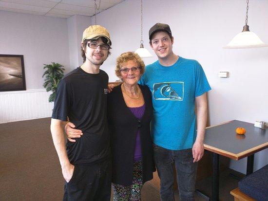 Brantford, Canada: Maria, Chef Alex and our pal Corbin