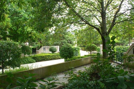 Jardin Eugenie-Djendi