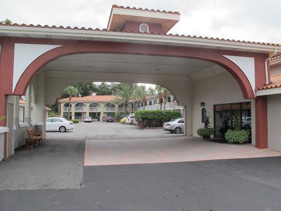 Best Western Historical Inn: Entrada e lobby