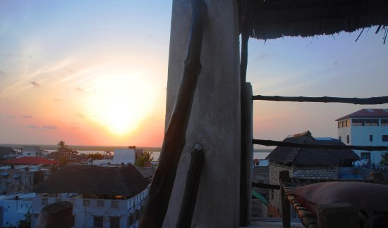 JamboHouse: Sunrise seen from our Top Roof