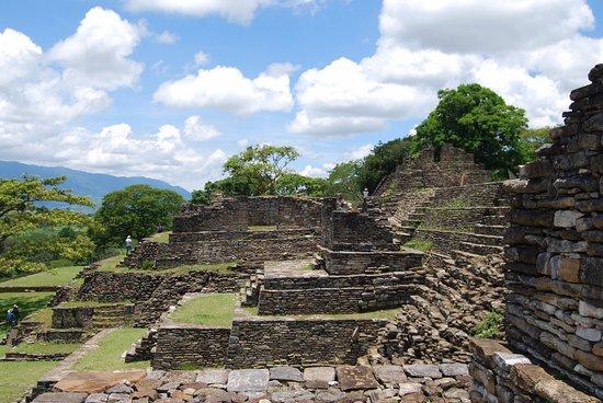 Ocosingo, México: Vista a media edificación