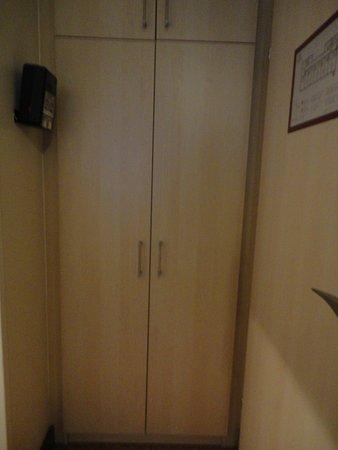 Hotel Alpha: ingresso stanza