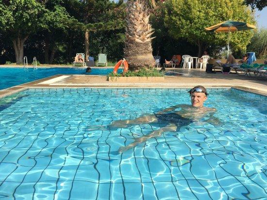 Hotel Stork: Шикарный бассейн отеля Stork. Территория вокруг также достойна похвалы