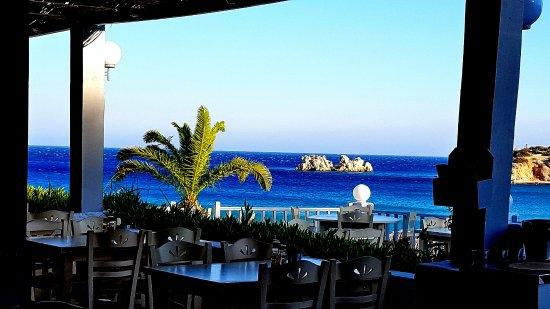 Cafe Restaurant Amoopi Nymfes: Ausblick von der Terrasse