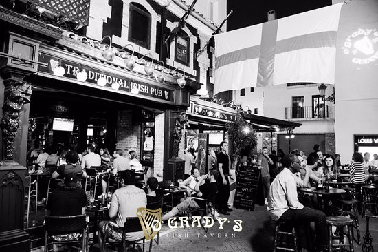 O'Gradys Irish Tavern
