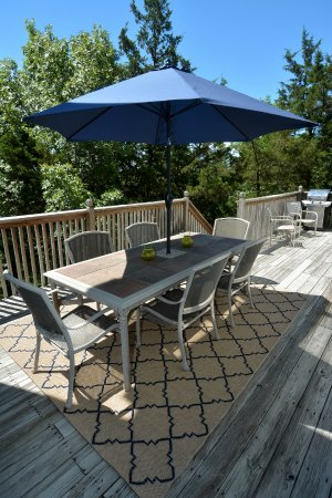 Bradford House Bed and Breakfast: Grill Deck
