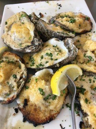 Ballyhoo's Historic Seafood Grille: photo1.jpg