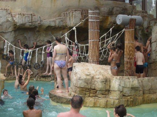 Bond de monde picture of camping la sirene argeles for Camping argeles sur mer avec piscine