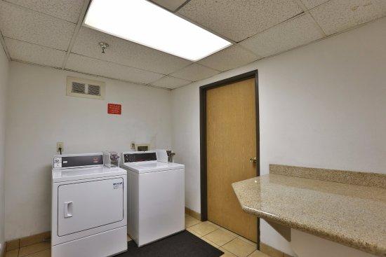 Fontana, Califórnia: Guest Laundry