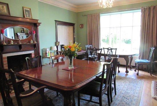 Llanwrda, UK: Dining room.