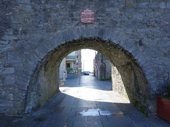The Spanish Arch: Part of the Galway historical walls