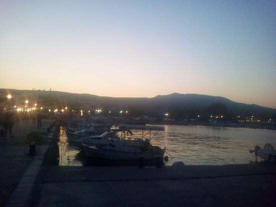 Agios Andreas, Yunanistan: σούρουπο  στον άγιο ανδρεα
