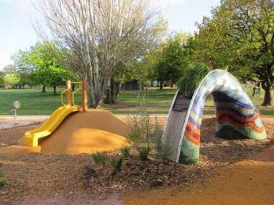 Mitcham, Australia: Halliday Park