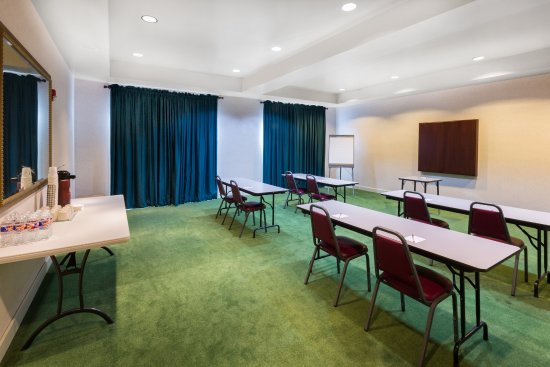 Ramada Limited Little Rock: Meeting Space 500 sq ft. & Meeting Space 500 sq ft. - Picture of Ramada Limited Little Rock ...