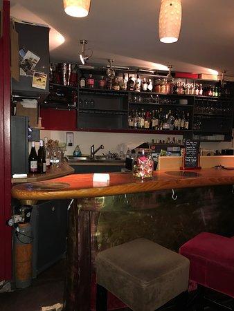 restaurant au comptoir de bacchus dans limoges avec. Black Bedroom Furniture Sets. Home Design Ideas