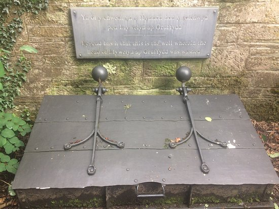 Llywelyn Monument