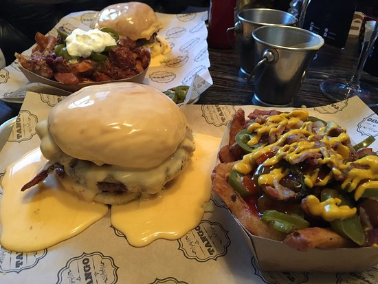 Tango K-G-B: Cheesebomb Burger and Angry Fries