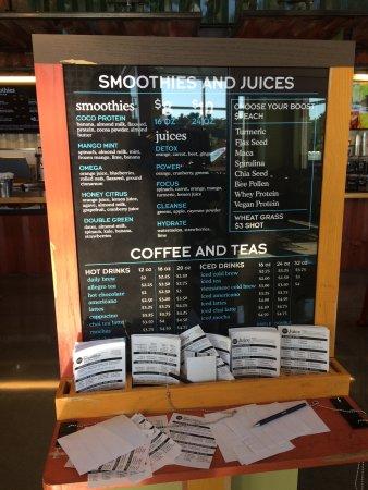 Smoothie menu bild fr n whole foods market lynnfield for Whole food juice bar menu