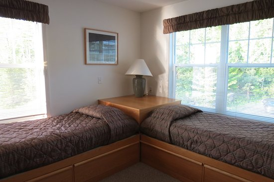 Jeffersonville, VT: 2nd bedroom two twins beds and queen bed