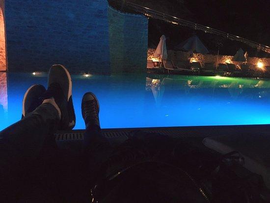 La piscine le soir photo de rimondi grand resort for Piscine paris ouverte le soir