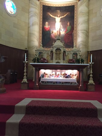 Old Cathedral Church: Main altar, last supper in front of altar table