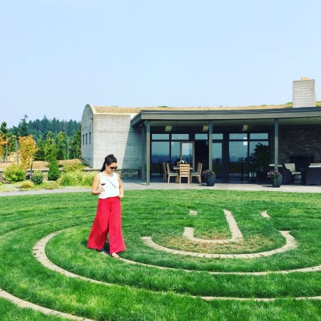 Yamhill, OR: Walking the labyrinth while tasting pinot