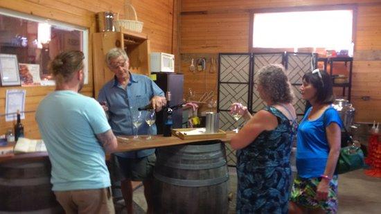 Milford, Canadá: Wine tasting