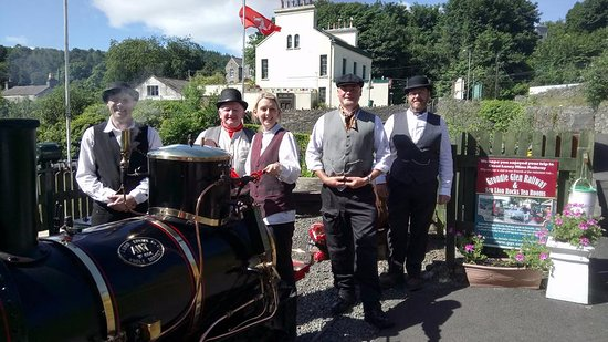 Laxey, UK: The volunteers in full Victorian costume