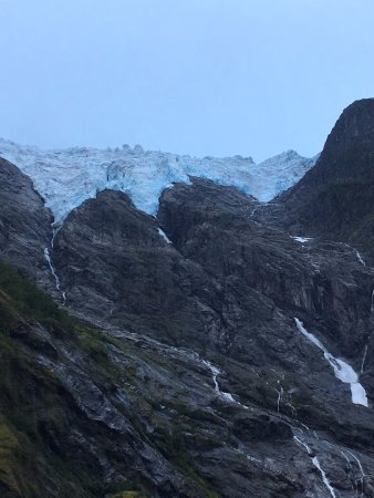 Roedseter Inn: glacier at the end of the road.....20 min walk, 5 min drive