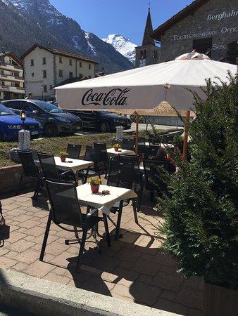 Graechen, Suiza: Unsere schöne, ruhige Terasse!