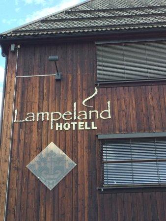 Lampeland, Norge: esterno