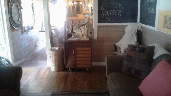 Franklin, NC: Side room