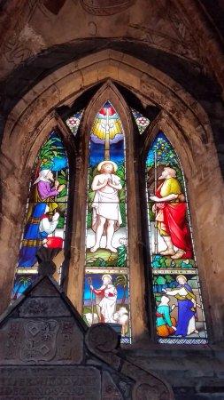 Stained glass window - Dunfermline Abbey Church