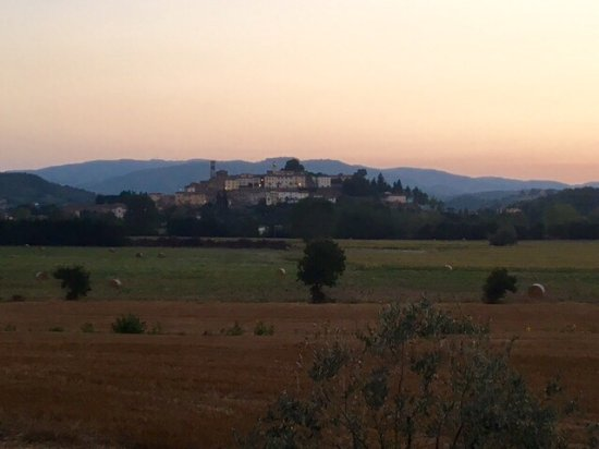 Monterchi, Italy: View from our table......