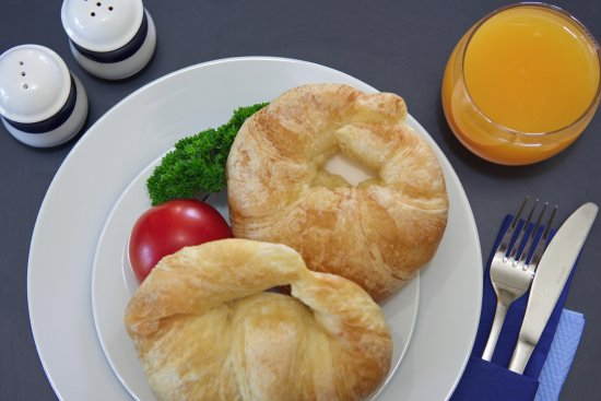 Ashburton, Νέα Ζηλανδία: Croissants, Continental or Full Hearty Cooked Breakfast Available