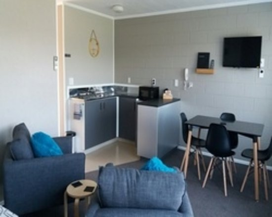 Stratford, New Zealand: Lounge area (1 bedroom unit)