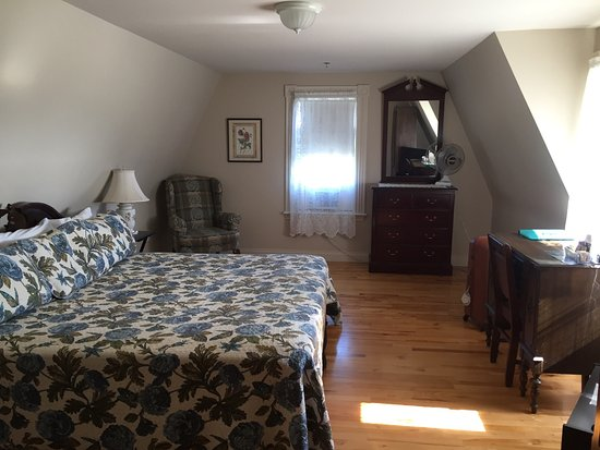 Hillcrest Hall Country Inn: Varie foto interno ed esterno