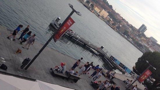 Ribeira's Restaurante situado no Cais da Ribeira na cidade do Porto em Portugal