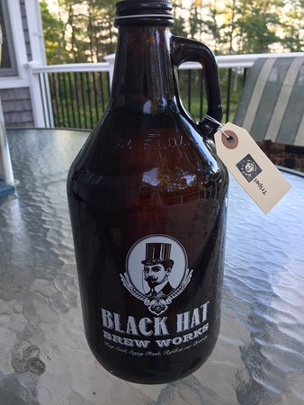 ‪Black Hat Brew Works‬