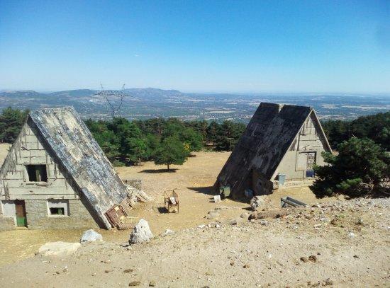 Asador Alto del Leon: Vistas desde la terraza a 70 km se ven las torres