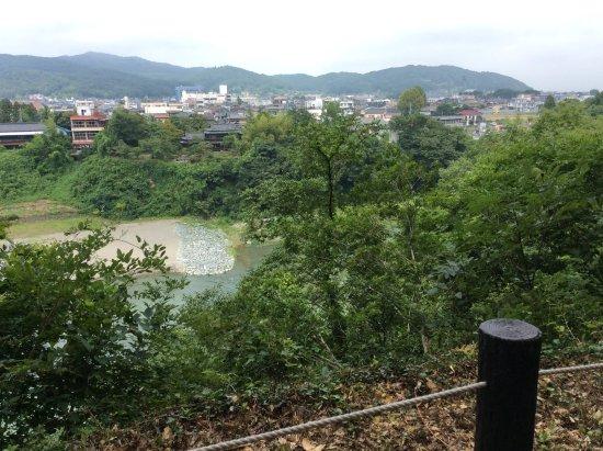 Yorii-machi, Japonia: 鉢形城址から見た荒川